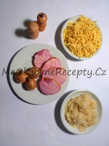 Uzené maso s kysaným zelím s špeclemi