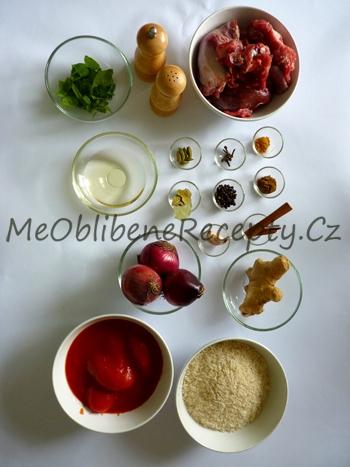 Skopové biryani s okurkovou Raitou