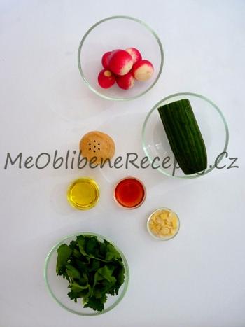 Ředkvičkový salát s okurkou