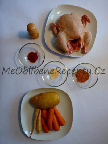 Kuře připravené v pomalém hrnci na zelenině