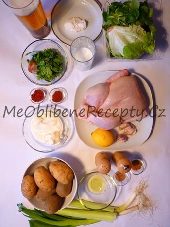 Celerové brambory, kuře na placato a salát s podmáslím