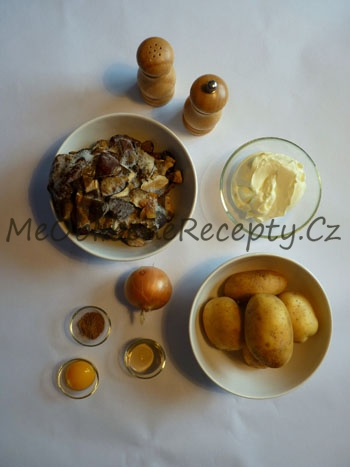 Smetanová polévka s houbami a loupanými brambory