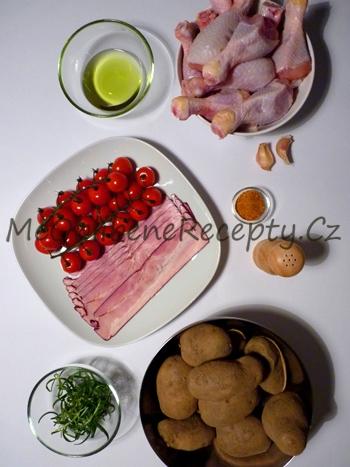 Kuřecí paličky ve slanině s rozmarýnem a rajčaty