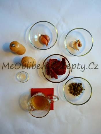 Těstoviny se sušenými rajčaty a kapary