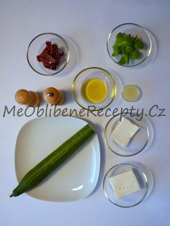 Okurkové jednohubky se šlehaným balkánem