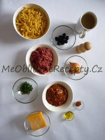 Těstoviny s mletým masem a omáčkou enchilada