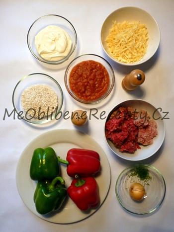 Papriky plněné mletým masem a rýží